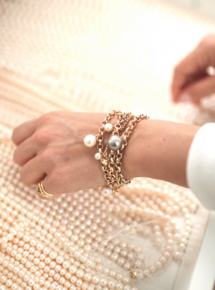 Young British Designers: Pink XXL Pearl Magna Bracelet   by Ora Pearls