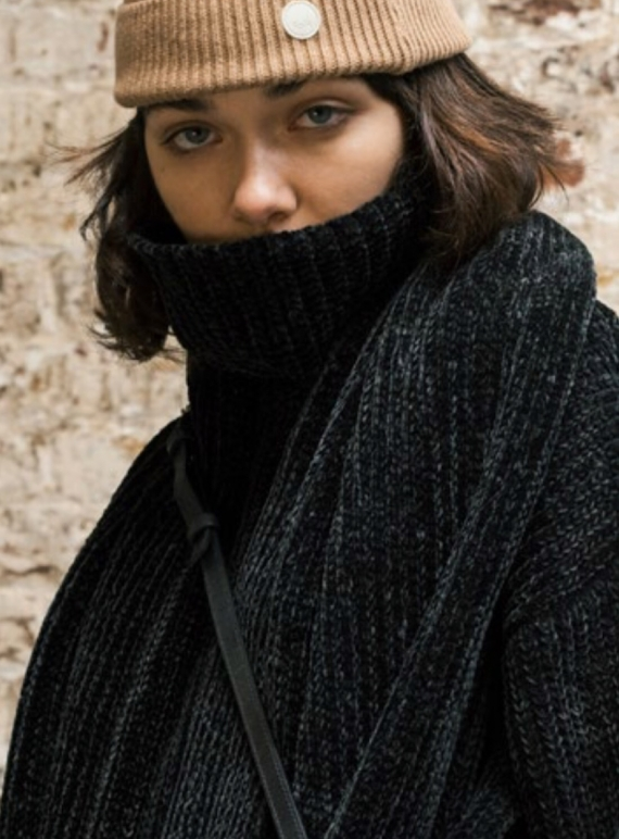 Young British Designers: CHENILLE Scarf in Black by Folk