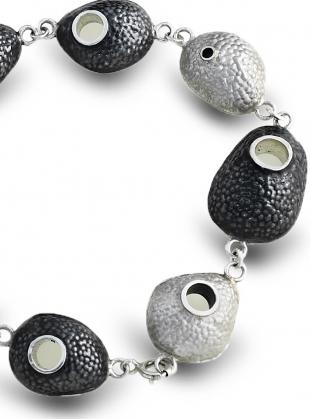 Young British Designers: Intricate Pebble Bracelet by Agneta Bugyte