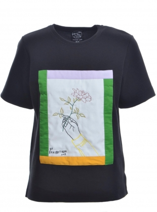 Black Botanical Embroidery Tee by Moon Lee Artwear