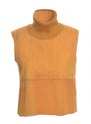 Sleeveless Slash Pleat Turtleneck by Steven Tai