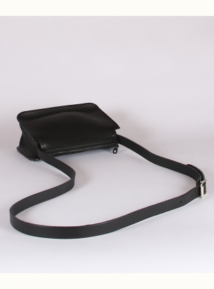 Young British Designers: ALPHA SHOULDER BAG. Black - last one by Kate Sheridan