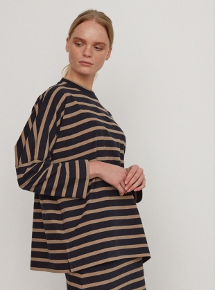 BILLIE ORGANIC COTTON OVERSIZED TOP  by Beaumont Organic