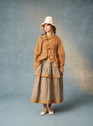 Young British Designers: ALBIE SOFTEST CAMEL VELVET GATHERED JACKET by Renli Su