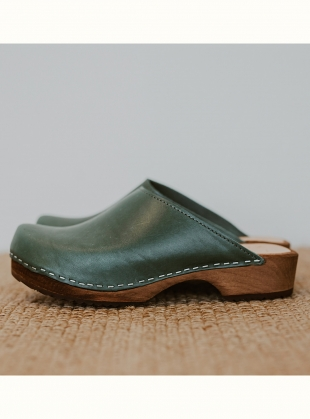 Low Klassisk Clog. Agave Leather by Kitty Clogs Sweden