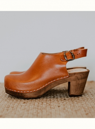 Mid Kliva Clog. Cumin Leather by Kitty Clogs Sweden