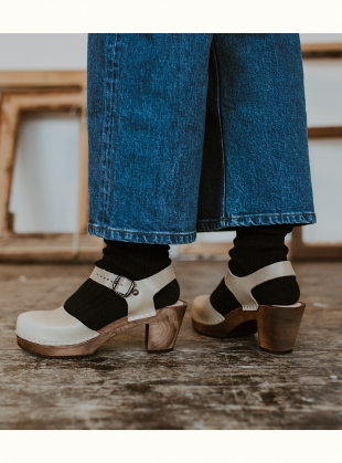 Mid Aaliyah Clog. Stone Leather by Kitty Clogs Sweden
