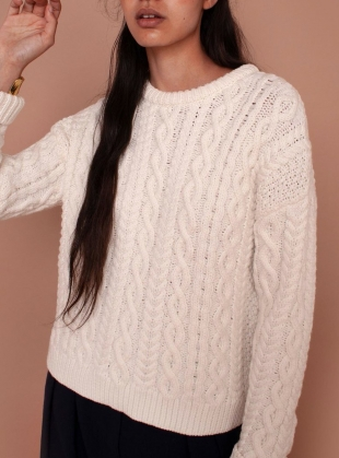 MAYFLOWER CABLEKNIT JUMPER. Ecru by Meadows