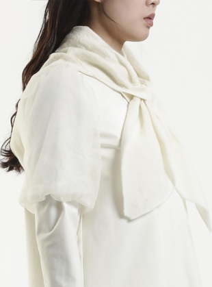 Young British Designers: HOODED WOOL SCARF. Ivory by Renli Su