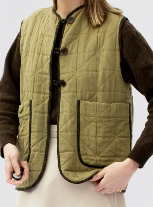 ELLA QUILTED VEST. Rushes. by Cawley