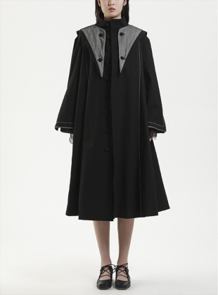HOODED TRENCH COAT. Black by Renli Su
