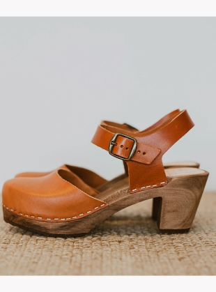 Cumin Mid Aaliyah Clog by Kitty Clogs Sweden