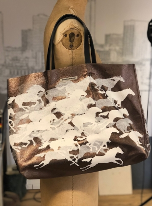 LEATHER WILD HORSES BAG - last one by Simeon Farrar