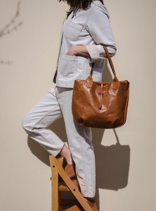 Young British Designers: SOAMES Tote in Natural with Tan - Last one by M.Hulot