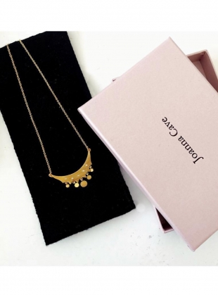 Young British Designers: FARAINE Gold Necklace with White Sapphires by Joanna Cave