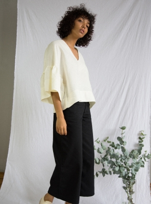 RITA-JO Linen Top in Off-White by Beaumont Organic