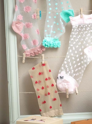 Young British Designers: Romantic Nude Red Hearts Socks by Cutie Pop