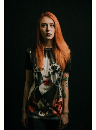 Young British Designers: ESSENTIAL ART TEE 1 - Last one (L) by IA London