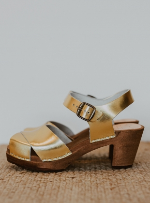 MID DANSARE. Gold by Kitty Clogs Sweden