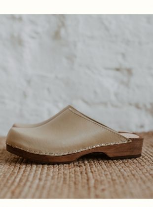 LOW KLASSISK. Stone - Last pair (40) by Kitty Clogs Sweden