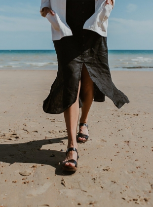 Young British Designers: LOW FIKA. ONYX by Kitty Clogs Sweden
