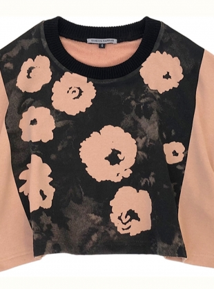 Young British Designers: Coral CROPPED SWEAT TOP with FLOWERS by Simeon Farrar