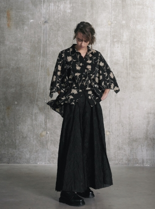 Floral Cape Sleeve SHIRT. Black/Yellow by WEN PAN